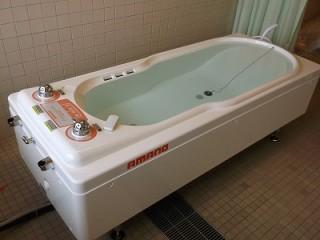 病棟2F介護浴槽入れ替え